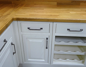 6 ways to spruce up your kitchen cabinets handycrew services